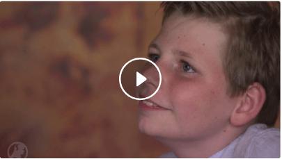 Matthijs (9) genas van epilepsie en opent nu collecteweek